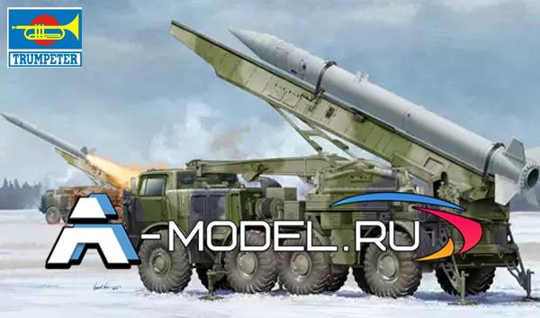 01025 9K52 Луна-М с малым радиусом действия 1:35 Trumpeter сборные модели танков и техники